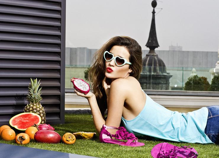 """""""La modelo mallorquina es la nueva imagen de la firma de zapatos Refresh.""""  Malena Costa con Refresh adj 513a01830bf1c 5704967 1024 800"""