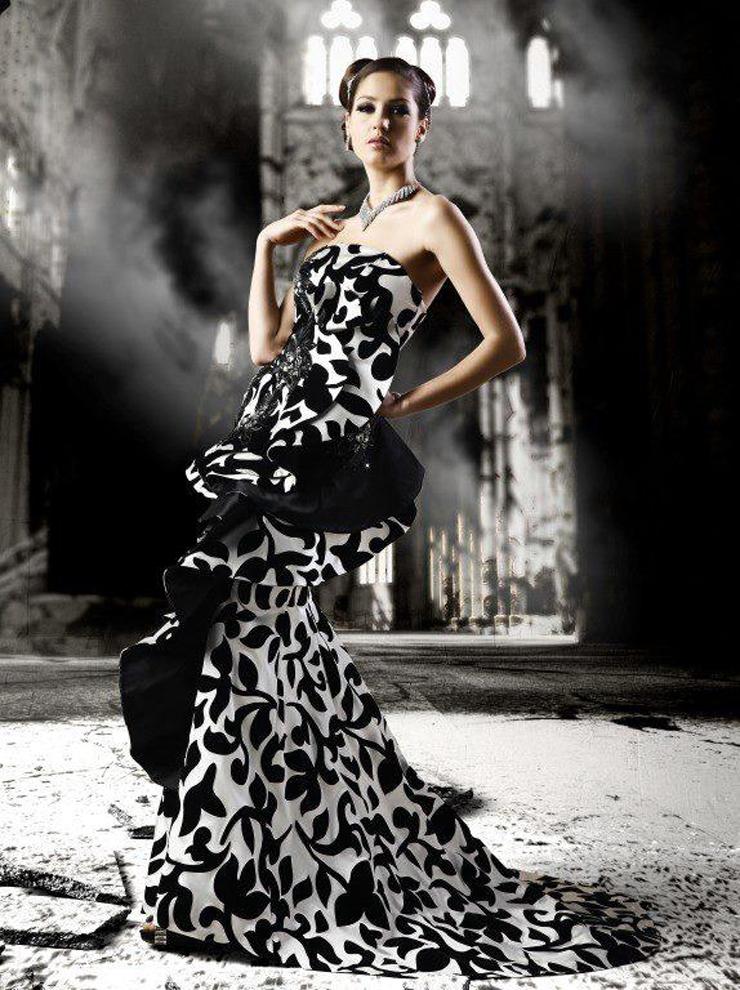 """""""Jeanette García trae a Chile la prestigiosa marca Francesa Americana Jean Paul Ataker ubicada en el Distrito de Nueva York Fashion, con una exclusiva línea elegante de alta costura."""""""