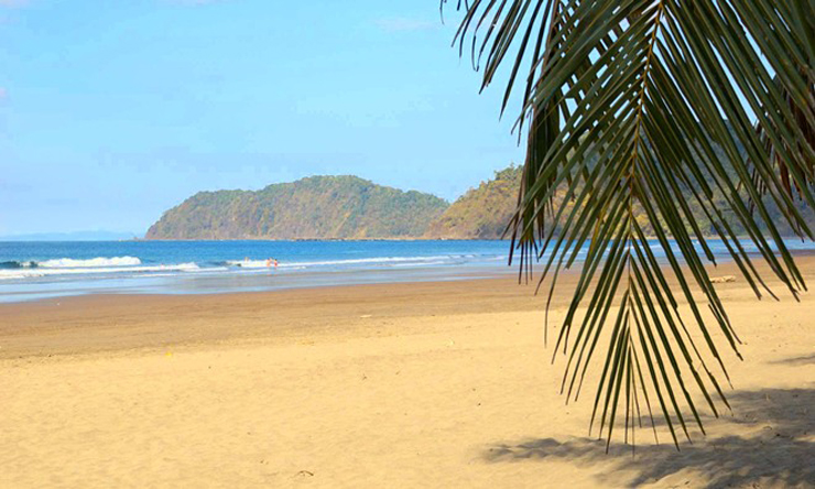 """""""Son el paraíso para quienes no conciben otras vacaciones que no sean junto al mar y pisando arena, destinos donde se multiplican palmeras lánguidas y el sol es una constante."""" mejores playas del mundo Conozca Las 10 Mejores Playas del Mundo 7"""