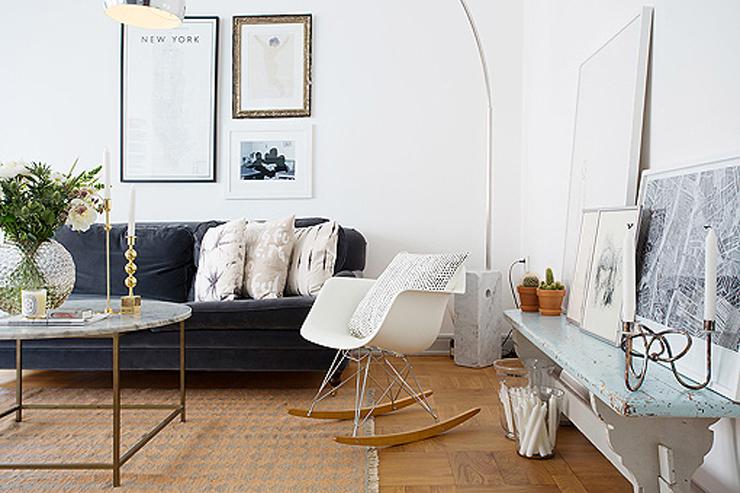 """""""Los diseños con nombre y apellido se mezclan con piezas de estilos diferentes, y el resultado es un decoración moderna."""" Cómo decorar un apartamento en blanco con muebles de diseño 116"""