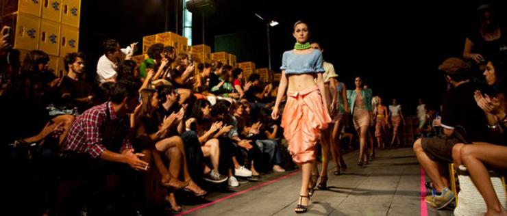 """""""El Barcelona Design Festival, organizado por el BCD y el FAD se celebrará este año del 11 de junio al 11 de julio, tiene por objetivo posicionar Barcelona como capital del diseño en el ámbito internacional.""""  Barcelona Design Festival 2013 2"""