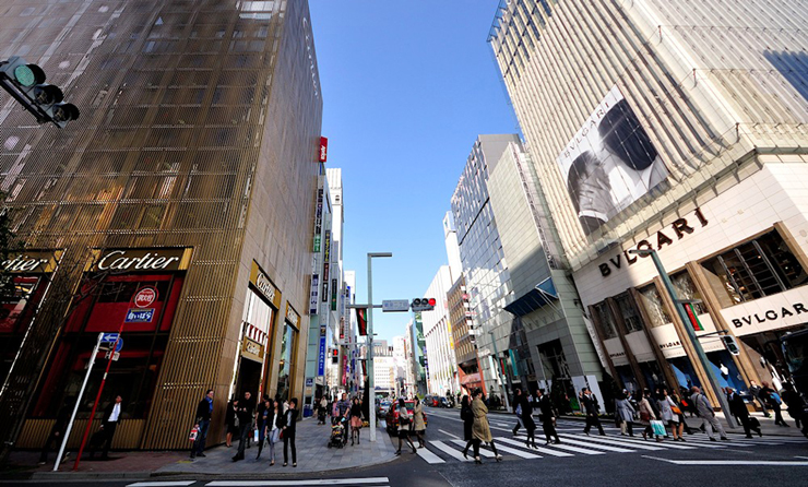 """""""Bulgari ha decidido celebrar sus 20 años de presencia en Japón con la apertura de dos grandes tiendas.""""  Bvlgari Ginza Tower 311"""