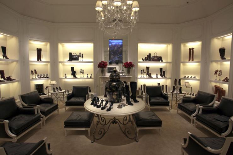 """""""La tienda principal de Ralph Lauren en Madison Avenue, también es conocida como The Polo Mansion y The Polo Castle, es probablemente la tienda más lujosa y bonita del mundo.""""  Ralph Lauren Madison Avenue, la tienda más lujosa del mundo 57"""