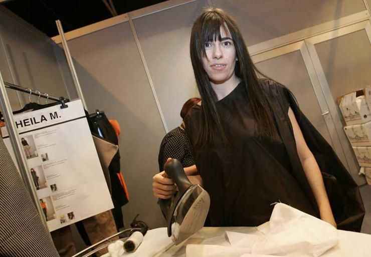 """""""Diseñadora de moda española. Estudió en Madrid y dio sus primeros pinitos en la empresa familiar Elipse.""""  La diseñadora de modas Amaya Arzuaga 117"""
