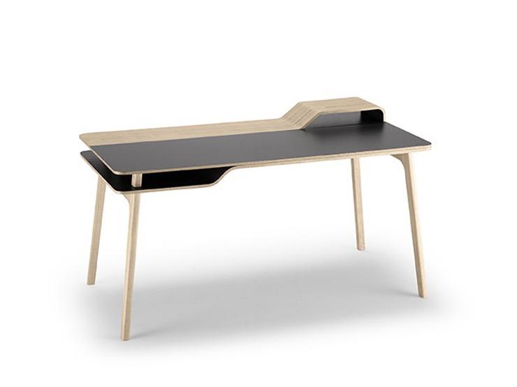 """""""Una mesa de trabajo inspirada en el mar."""" Belharra la última creación de Treku 13"""