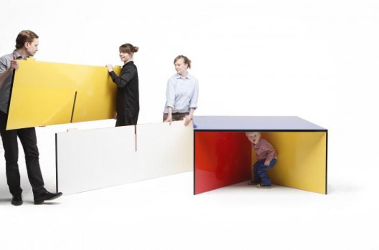 """""""NZELA es una robusta mesa modular creada por el estudio de diseño KAYIWA y fabricada en contrachapado de abedul Grado A.""""  Ideas para Decorar: Mesa NZELA de KAYIWA 210"""