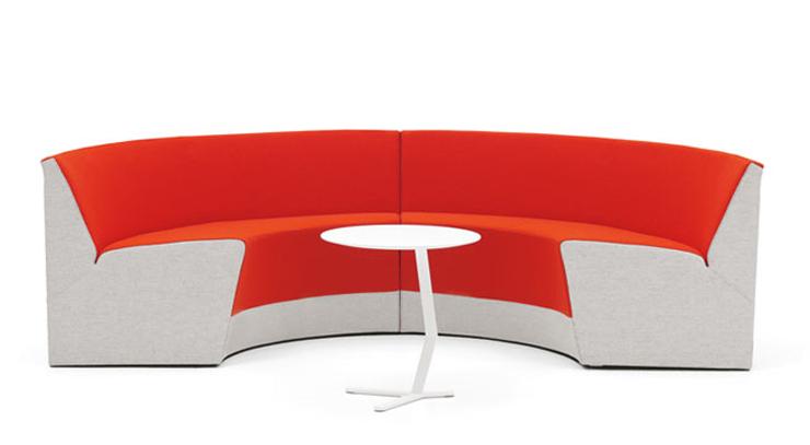 """""""Creado por Thomas Sandell, el Sofá King tiene una peculiaridad que lo convierte en un mueble muy interesante.""""  Ideas para Decorar: Sofá King, un rey que absorbe los ruidos 310"""