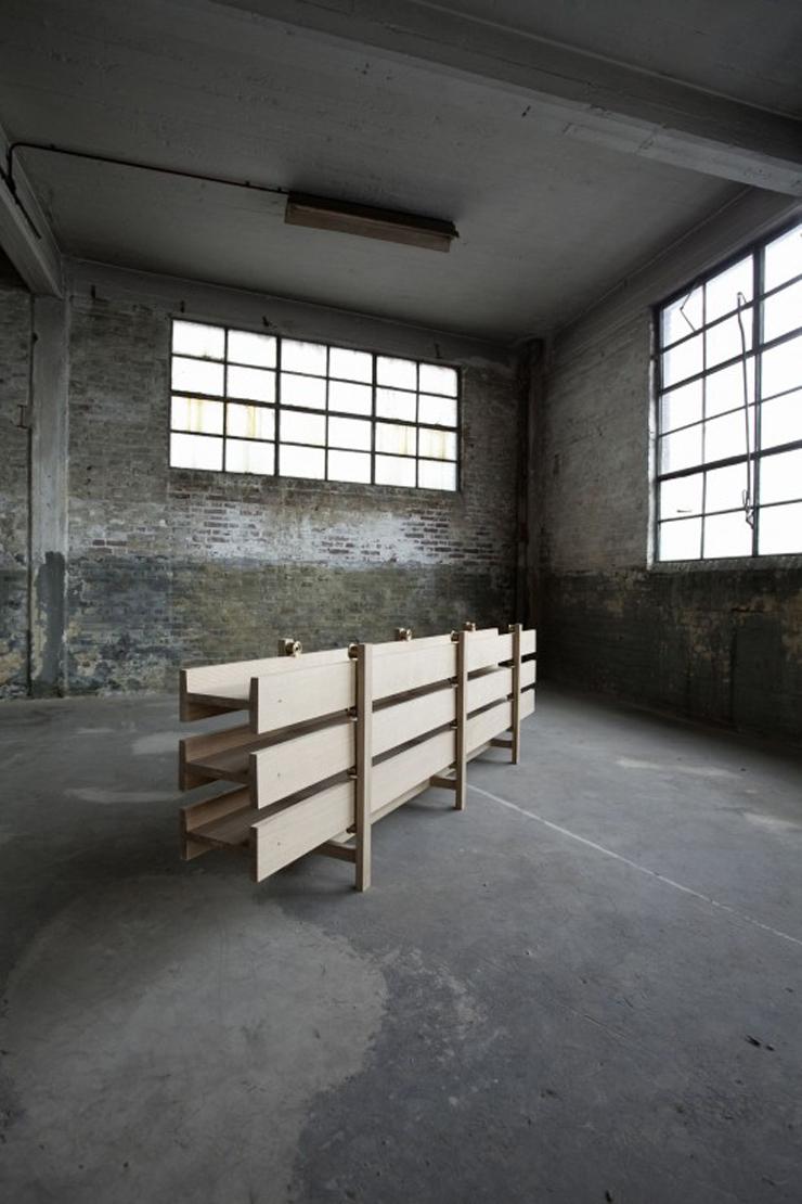 """""""Con su pieza I-Joist, el diseñador Steven Banken está ampliando la historia de la madera."""""""