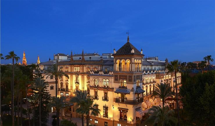 """""""Con el histórico hotel Alfonso XIII ha ocurrido lo mismo, tuvo que cerrar sus puertas en la primavera de 2011 para empezar a vivir (o continuar viviendo) con un impulso renovado.""""  Hoteles de Lujo: Hotel Alfonso XIII 110"""