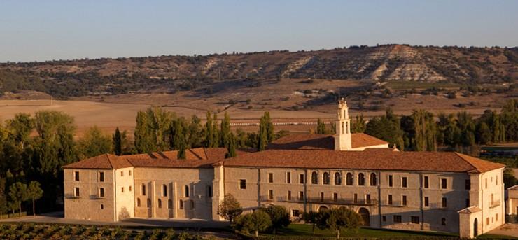 """""""Viñas a orillas del Duero, una Abadía milenaria, un hotel de máximo lujo: Hotel Abadía Retuerta LeDomaine.""""  Hoteles de Lujo: Hotel Abadía Retuerta LeDomaine 19"""
