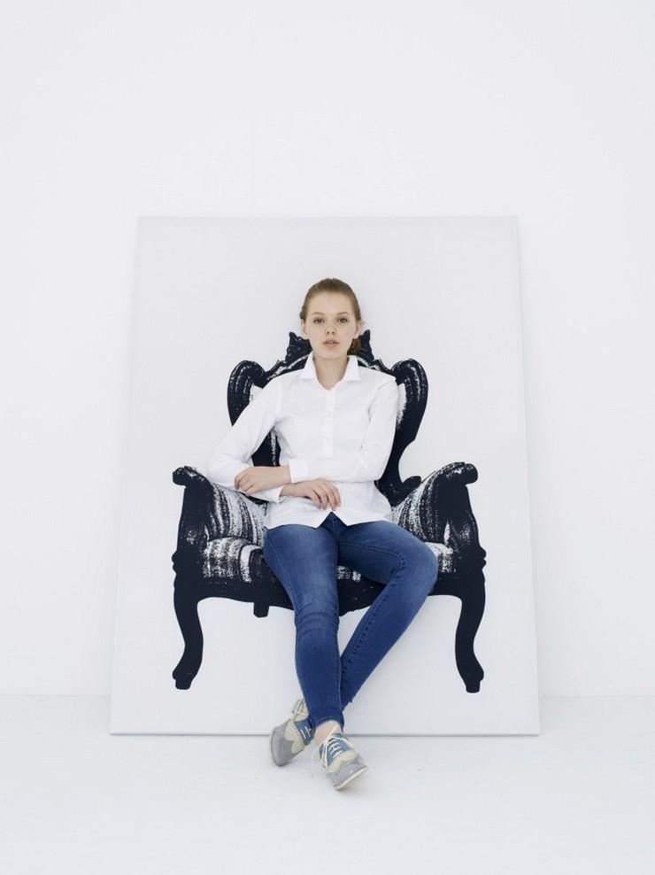 """""""Una silla en forma de lienzo con un dibujo de una silla. Creada por el estudio japonés YOY."""" Ideas para Decorar: Silla Canvas de YOY 214"""