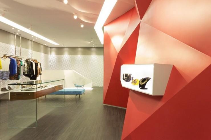 """""""Las Chicas Boutique por GUIV Arquitetura tiene la intención de ser un espacio de referencia para la moda en Belo Horizonte.""""  Decoración de Interiores: Boutique Las Chicas de GUIV Arquitetura 318"""