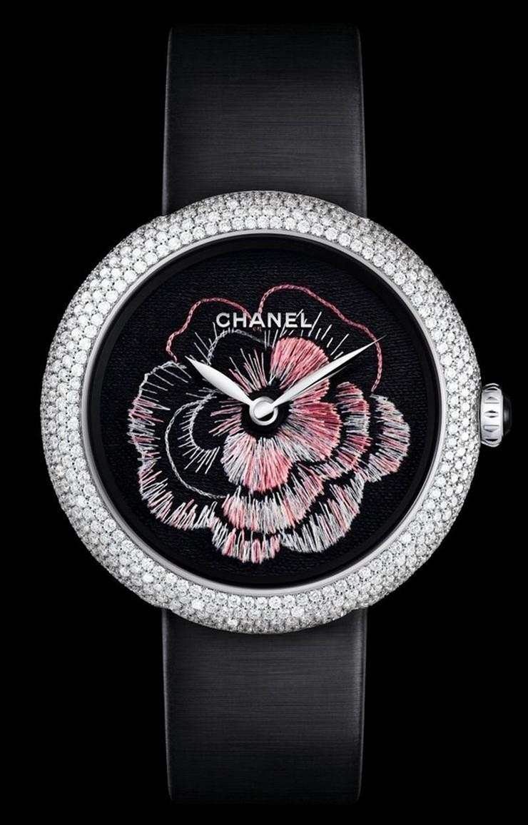 """""""Chanel se llevó este año el premio en la categoría Métiers d'Art del Grand Prix d'Horlogerie de Geneve.""""  Chanel Camelia Brode gana el premio Métiers d'Art en el GPHG 2013 112"""