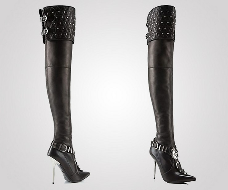 """""""La casa de modas Versace acaba de presentar su más reciente colección de botas, parte de su propuesta para la temporada Otoño-Invierno.""""  Versace nos muestra su nueva colección de botas para la temporada Otoño-Invierno 16"""