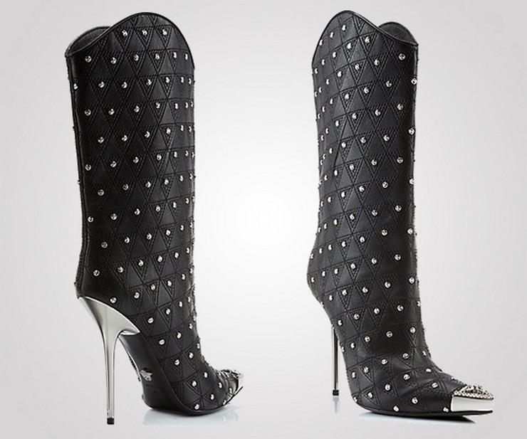"""""""La casa de modas Versace acaba de presentar su más reciente colección de botas, parte de su propuesta para la temporada Otoño-Invierno.""""  Versace nos muestra su nueva colección de botas para la temporada Otoño-Invierno 27"""
