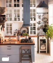 """""""Las cocinas pequeñas pueden ser tan cómodas, funcionales y parecer tan grandes como deseamos""""  Grandes Ideas para Decorar Cocinas Pequeñas. 13 isla"""