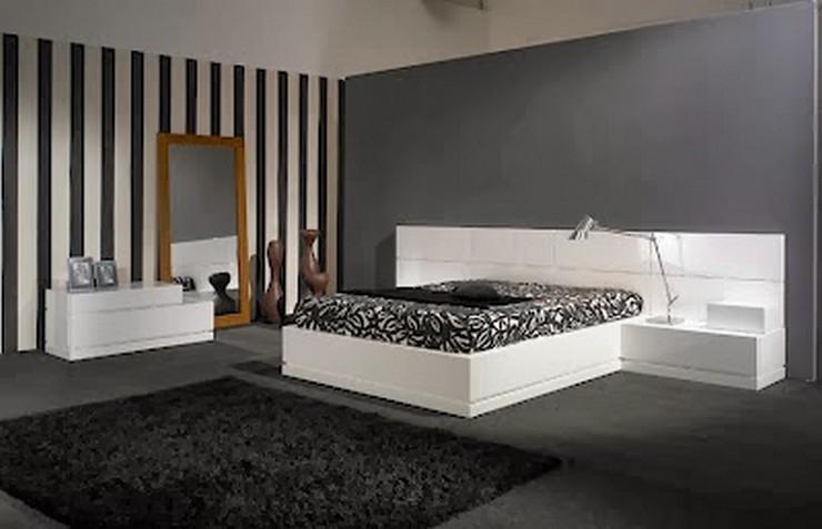El color es fundamental en la decoración y, en un dormitorio, su elección debe estar al servicio del descanso. A la hora de pintar las paredes, elige tonos claros, suaves y cálidos, como la propia piel. Éste es el caso del beige, el garbanzo, el crema, el amarillo pajizo o el salmón. También resultan envolventes los grises cálidos, los verdes agua y los turquesas. Se recomienda evitar los tonos vibrantes o chillones, por sofisticados que sean.  Cómo Decorar las Paredes del Dormitorio Principal 25