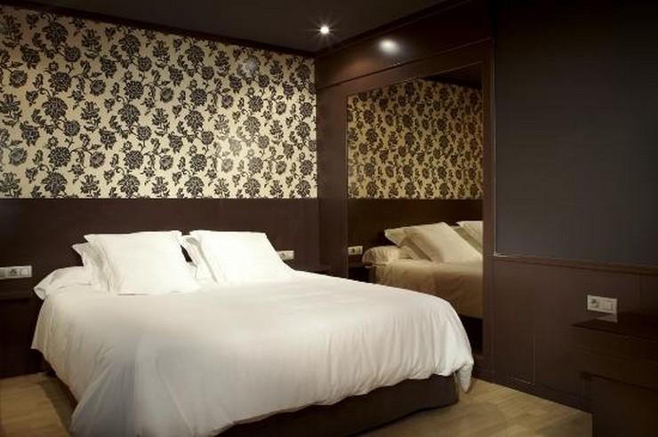 """""""Las paredes no sólo son funcionales, sino que también son una parte integrante de la decoración de interiores.""""  Cómo Decorar las Paredes del Dormitorio Principal 292"""