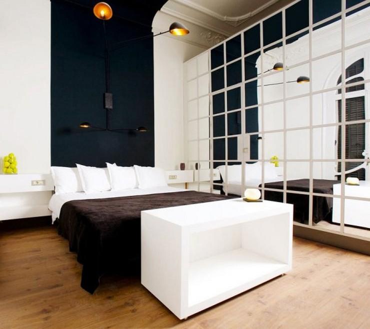 """""""Las paredes no sólo son funcionales, sino que también son una parte integrante de la decoración de interiores.""""  Cómo Decorar las Paredes del Dormitorio Principal espejos 2"""