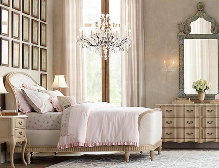 """""""Las paredes no sólo son funcionales, sino que también son una parte integrante de la decoración de interiores.""""  Cómo Decorar las Paredes del Dormitorio Principal espejos 4"""
