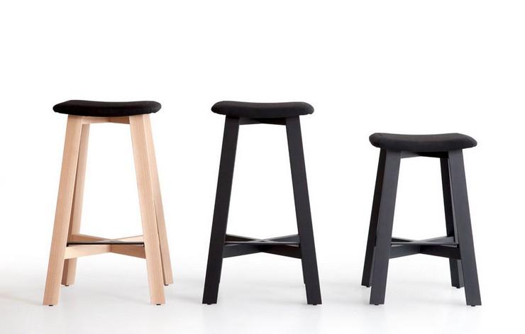 """""""Una serie de taburetes de madera diseñados por Sohei Arao.""""  Ideas para decorar: Punt nos descubre Bevel taburetes bevel de punt mobes1"""