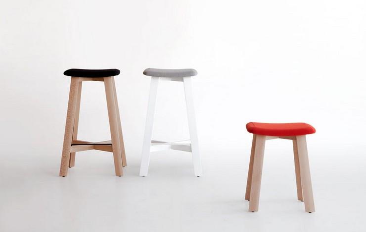 """""""Una serie de taburetes de madera diseñados por Sohei Arao.""""  Ideas para decorar: Punt nos descubre Bevel taburetes bevel de punt mobes2"""