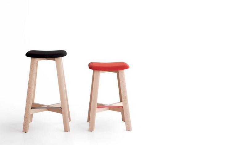 """""""Una serie de taburetes de madera diseñados por Sohei Arao.""""  Ideas para decorar: Punt nos descubre Bevel taburetes bevel de punt mobes3"""