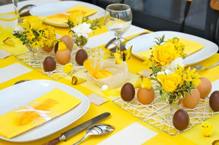 """""""Queremos mostraros algunas sencillas ideas para hacer un original centro de mesa para la época de Pascua.""""  Cómo decorar la mesa para Pascua Como decorar la mesa para Pascua 2"""