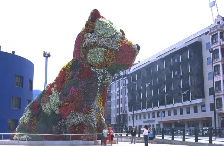 """""""El Hotel Silken Gran Domine Bilbao situado en la ciudad vasca Bilbao, ofrece un refugio cálido y confortable, ideal para parejas o viajes de negocio.""""  Diseño y vanguardia frente al museo Guggenheim silken gran domine bilbao 0"""