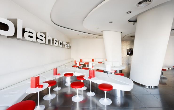 """""""El Hotel Silken Gran Domine Bilbao situado en la ciudad vasca Bilbao, ofrece un refugio cálido y confortable, ideal para parejas o viajes de negocio.""""  Diseño y vanguardia frente al museo Guggenheim silken gran domine bilbao 1"""