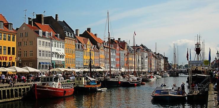"""""""Singapur es la ciudad más cara del mundo en el 2014""""  TOP 10 Ciudades Más Caras del Mundo 2014: Singapur en el Nº1 11 Copenhague Dinamarca"""
