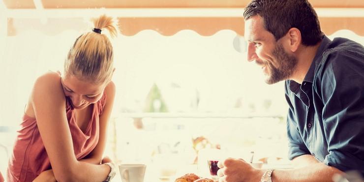 """""""No es cierto que sea saludable la honestidad excesiva en una relación. Las relaciones deben mantener un lado privado""""  Los 5 Secretos que las Mujeres No Deben Revelar a los Hombres 111"""