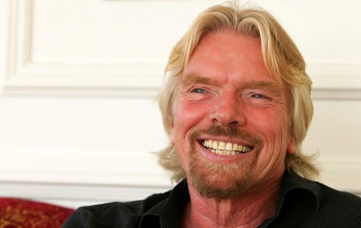 """""""Richard Branson, uno de los hombres más ricos del mundo""""  El primer empleo de los más ricos del mundo 37"""