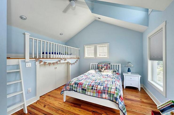"""""""Colores claros para potenciar la luz natural en casa""""  5 ideas clave para aprovechar al máximo la luz natural en nuestras casas ninos cama desvan"""