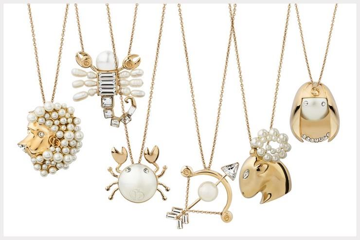 """""""Bajo el título de Tell me Dior nace un lúdico guiño a las supersticiones de monsieur Christian Dior""""  El zodiaco, inspiración para las grandes firmas 7"""