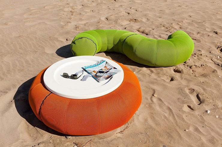 """""""Una de las últimas novedades de la tienda de mobiliario online es el don-out+mesa.""""  Una mesa con forma de donut Una mesa con forma de donut 2"""