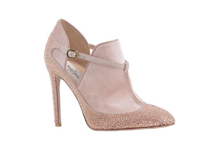 """""""Zapatos en rosa para novia de Valentino""""  ¡Me caso de rosa! el rosa es el nuevo blanco 379259089 1200x"""