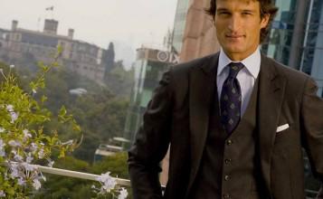 """""""A todo color es el título del último post de Rafael de Medina en la sección ¡Hola! Fashion""""  Rafael de Medina habla del clásico traje de sastre portada24 357x220"""