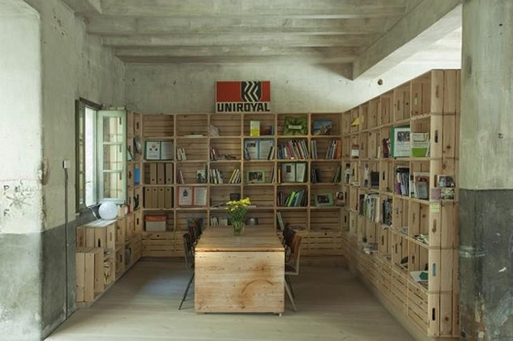 """""""Oficinas Hub Madrid by CH+QS arquitectos. Sutileza, imaginación y, sobre todo, sentido común, son conceptos que permiten definir y entender este proyecto de transformación de un antiguo garaje , en un espacio de oficinas.""""  Antes un garaje, ahora las oficinas Hub Madrid 1293739344 mg 9197 528x351"""