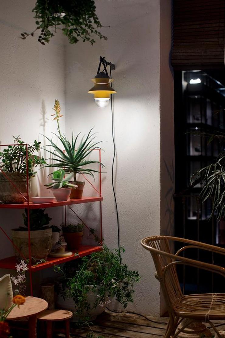 """""""La colección Santorini diseñada por Estudio Sputnik para Marset funciona también como aplique de pared o lámpara de pie""""  Santorini: la colección de luminarias outdoor de Marset 2"""