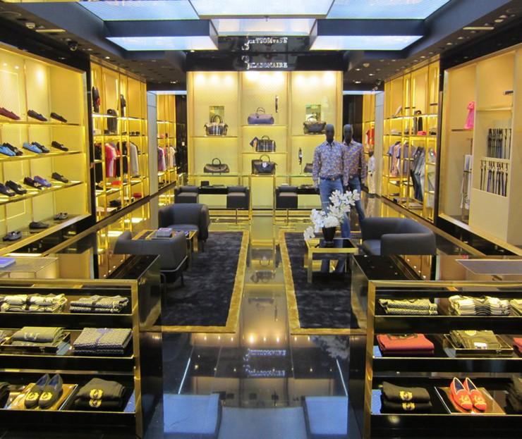 """""""Billionaire Italian Couture abre su segunda tienda en Dubai. La tienda se encuentra en el centro comercial de los Emiratos -Mall of the Emirates-""""  Billionaire Italian Couture abre su 2ª tienda en Dubai 25"""