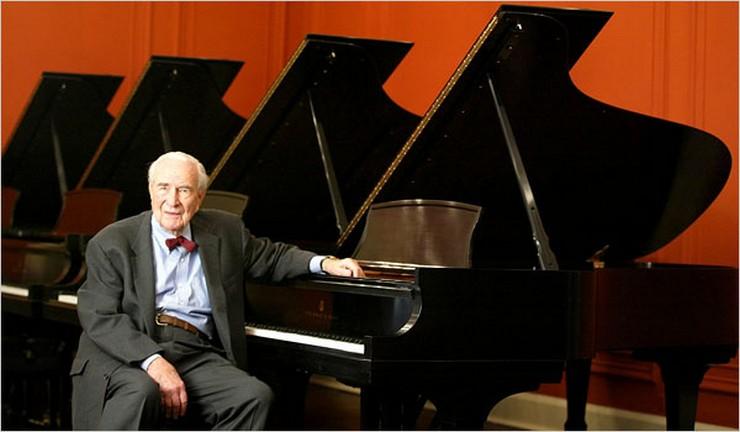 """""""Compañís de fabricación de pianos Steinway & Sons fundada en 1853 en Nueva York por el alemán Heinrich """"Henry"""" Engelhard Steinway""""   Montblanc homenajea a Henry E. Steinway con una pluma 3"""