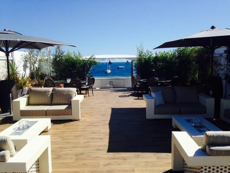 """""""Fendi Casa está presente en uno de los lugares más exclusivos de la Costa Azul durante el Festival de Cine de Cannes.  Del 14 al 25 de mayo de 2014 las elegantes propuestas de la colección Fendi Outdoor visten la azotea del Club Costes by Albane del JW Marriott Cannes""""  Fendi Casa viste la terraza del Marriott para Cannes 2014 4 Fendi Outdoor at JW Marriott Cannes"""