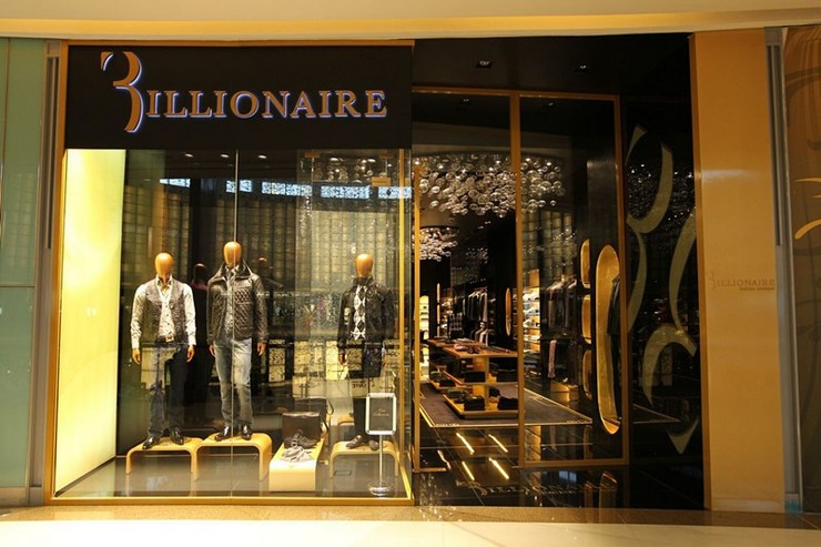 """""""La tienda en el centro comercial de los Emiratos, en Dubai, es la 27ª tienda independiente de Biilionaire Couture, junto con sus 61 concesiones multimarca en todo el mundo""""  Billionaire Italian Couture abre su 2ª tienda en Dubai 972092701 634 1"""