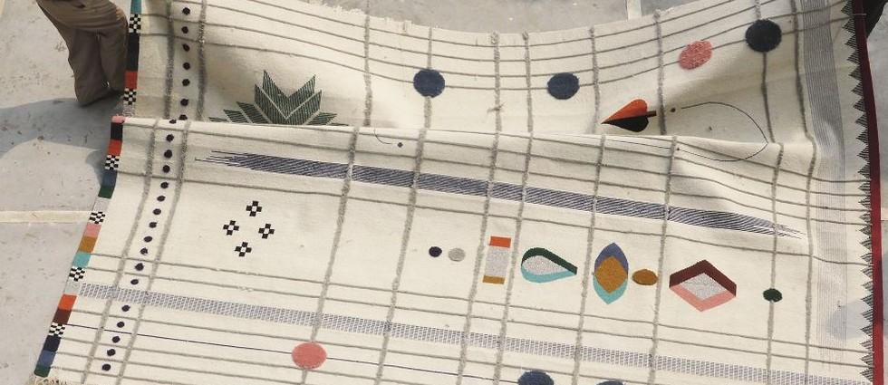 """""""Rabari: una colección de alfombras que evocan la sensualidad del bordado tradicional indio, creada por Doshi Levien para Nanimarquina"""""""