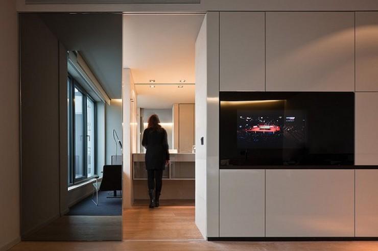 """""""El Hotel Sana ocupa un edificio de nueva planta de 15.710 m2, distribuidos entre espacios comunes, 159 habitaciones dobles, 13 suites y 42 apartamentos. Las habitaciones se han diseñado utilizando dos acabados diferentes, el lacado claro, brillante y el roble, con la intención de que el usuario que repita, tenga la opción de variar el ambiente en su nueva estancia en el hotel""""  Hotel Sana en Berlín: rigor y elegancia de la mano de Rifé 16 Francesc Rife Hotel Sana 600x399"""