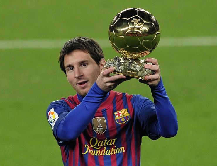 """""""Guillem Balagué, el biógrafo autorizado de Leo Messi, cuenta en 'Elegí creer' pormenores del 'supercrack' mundial que cuenta con cuatro balones de oro""""  «Elegí Creer», el libro de la vida de Leo Messi 24"""