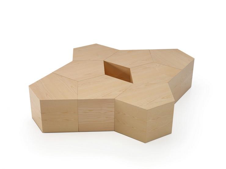 """""""La mesa Pent diseñada por Dsignio para Beltà se presenta como un puzzle con el que jugar a crear la forma que más se adapte a tus necesidades, las posibilidades son infinitas""""  Pent: la mesa puzzle diseñada por Dsignio para Beltà PENT BY DSIGNIO 2"""