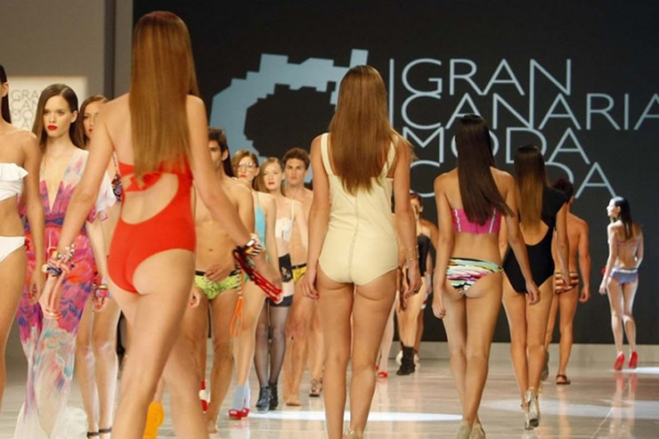 """""""La séptima edición de Gran Canaria Moda Cálida, denominada Swimwear Fashion Week desde el año pasado, acogerá este año la primera edición de International Talents"""" Un ángel de Victoria's Secret en #gcmodacalida2014 gc"""