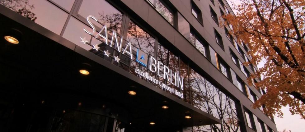 """""""El proyecto de interiorismo desarrollado por Francesc Rifé en el Hotel Sana de Berlín no podría describirse si no de riguroso y equilibrado""""  Hotel Sana en Berlín: rigor y elegancia de la mano de Rifé portada 4"""